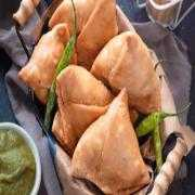 2 Pieces Vegetable Samosa